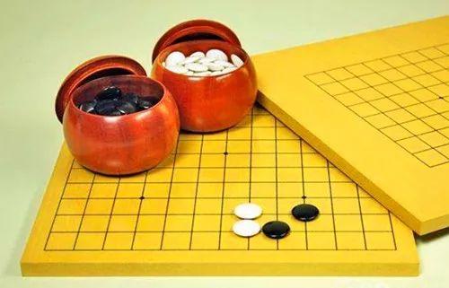 围棋:棋形的理解占30% 算路占25%大局观占20%子效占10%形势判断占15%