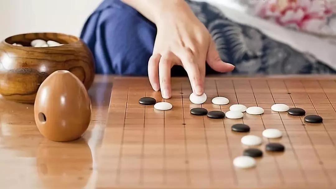 下围棋的人有哪些优点?